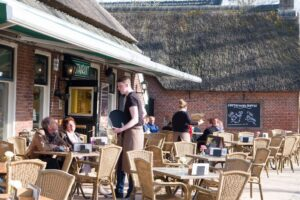 Zomers terras in Norg